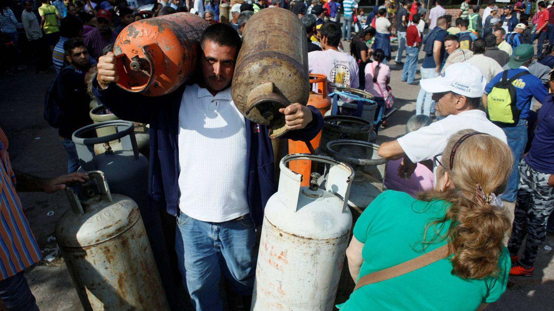 Venezolanos intentan comprar gas en un punto de distribución en San Cristobal, Venezuela. (Reuters)