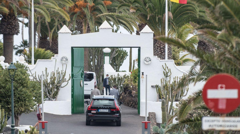 Llegada de Pedro Sánchez, a la residencia de La Mareta. (EFE)