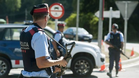 Los Mossos abren fuego contra un hombre armado con dos chuchillos en Barcelona