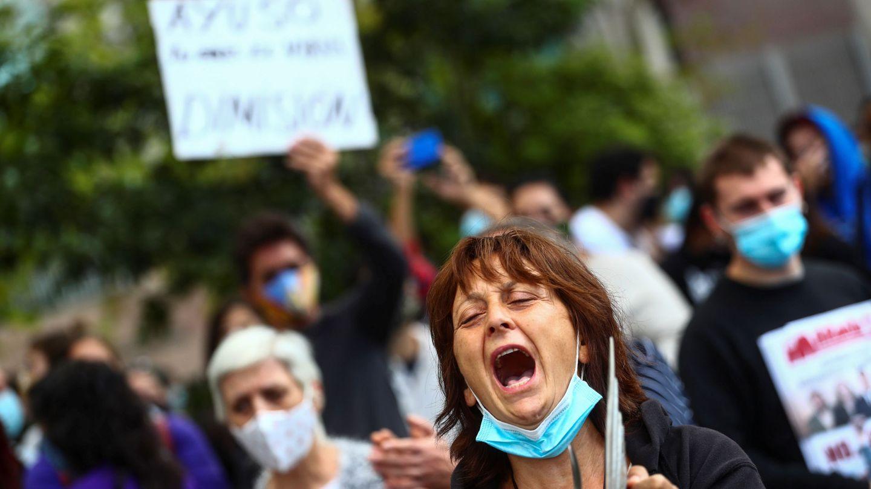 Protestas de vecinos del barrio de Vallecas (Madrid) por las restricciones impuestas. (Reuters)