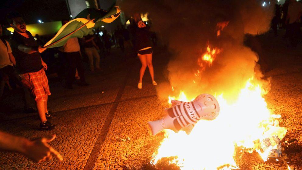Miles de personas salen a la calle en Brasil contra Lula da Silva y Dilma Rousseff