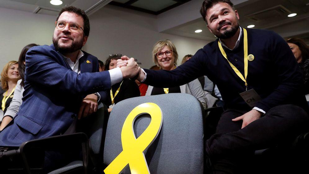 Foto: El coordinador nacional de Esquerra Republicana de Catalunya (ERC), Pere Aragonés (i), y el portavoz en el Congreso, Gabriel Rufián (d). (EFE)