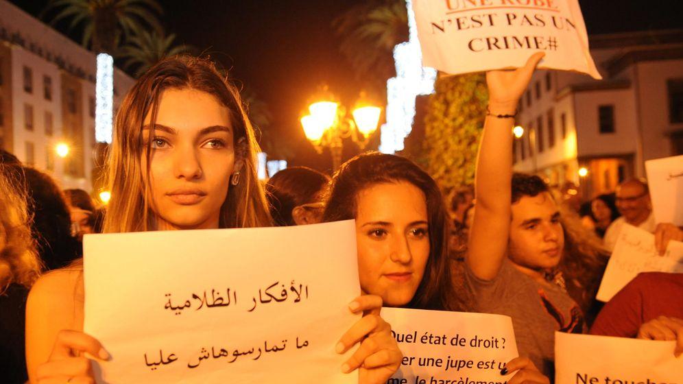 Foto: Ciudadanos marroquíes protestan en Rabat contra la homofobia. (EFE)