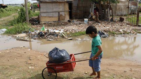 Los barrios de Asunción sufren la subida del agua