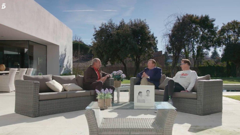 Bertín Osborne y Los Morancos, en 'Mi casa es la tuya'. (Telecinco)