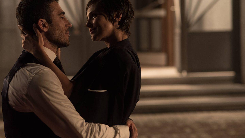 Paula Echevarría y Miguel Ángel Silvestre,  en el final de 'Velvet'.
