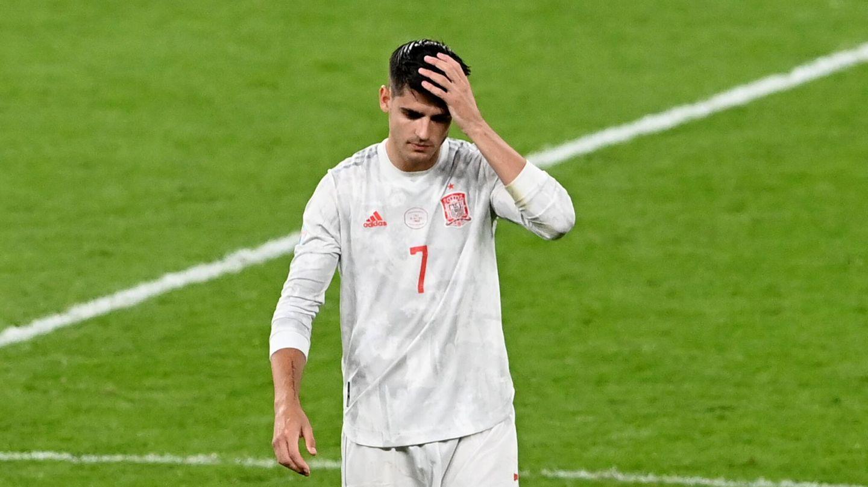 Morata se lamenta tras fallar el penalti. (Reuters)