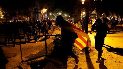 Ladrillos contra los Mossos y barricada en el Parlament: la respuesta de los CDR