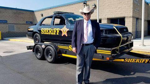 Un sheriff promete billetes de ida a famosos que quieran abandonar EEUU si gana Trump