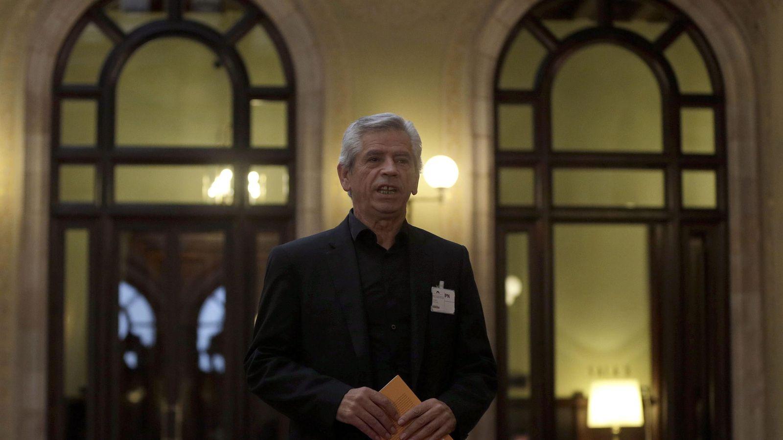 Foto: El presidente de la asociación Súmate y número seis en la candidatura de Junts Pel Si, Eduardo Reyes. (EFE)