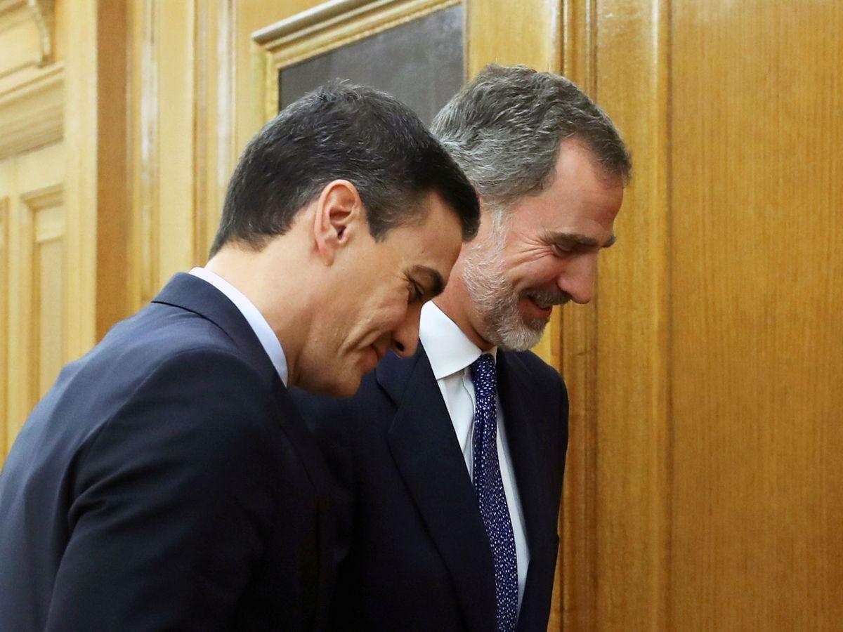 Foto: Pedro Sánchez es recibido en audiencia por Felipe VI en la Zarzuela, este 11 de diciembre. (Reuters)
