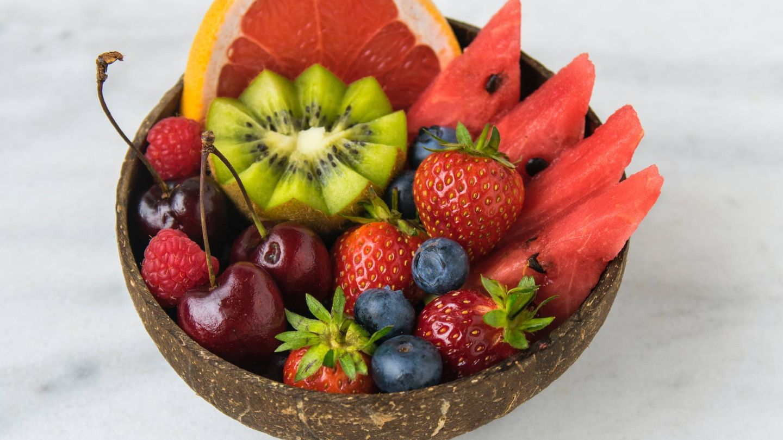 Frutas y verduras son importantes en la dieta paleo. (Jo Sonn para Unsplash)