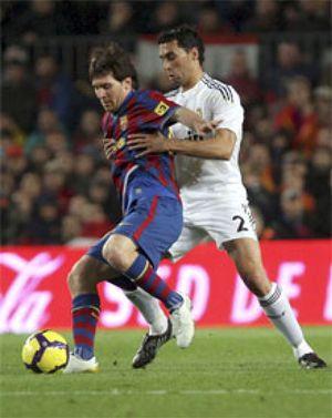 Rafa Benítez marca el camino a Pellegrini para frenar a Messi