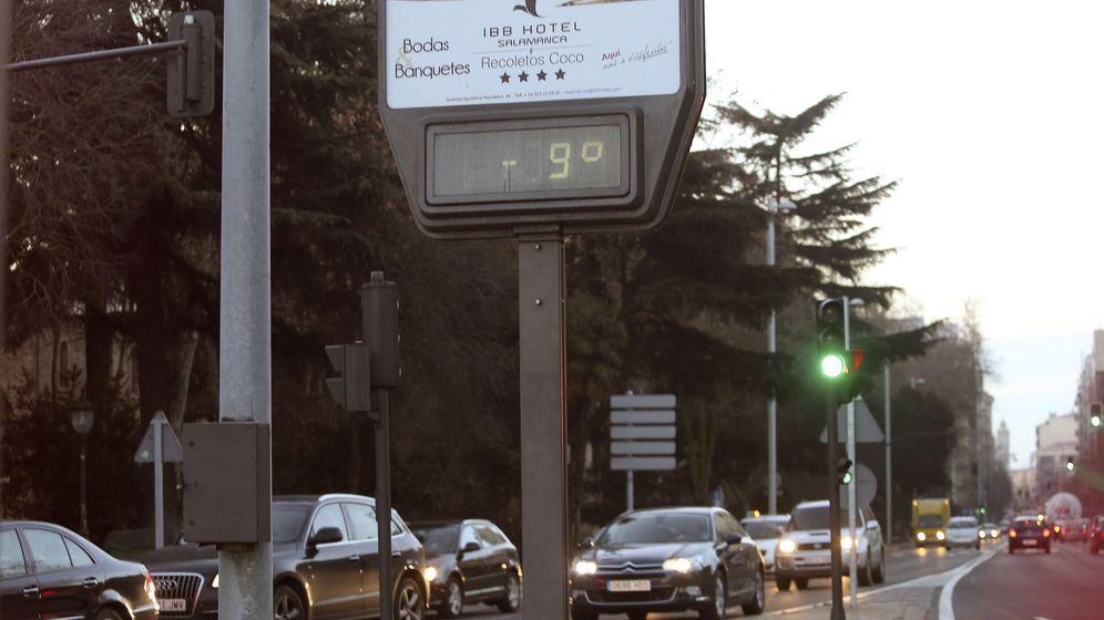 Foto: Un termómetro de la capital salmantina marca -9ºC. (EFE)