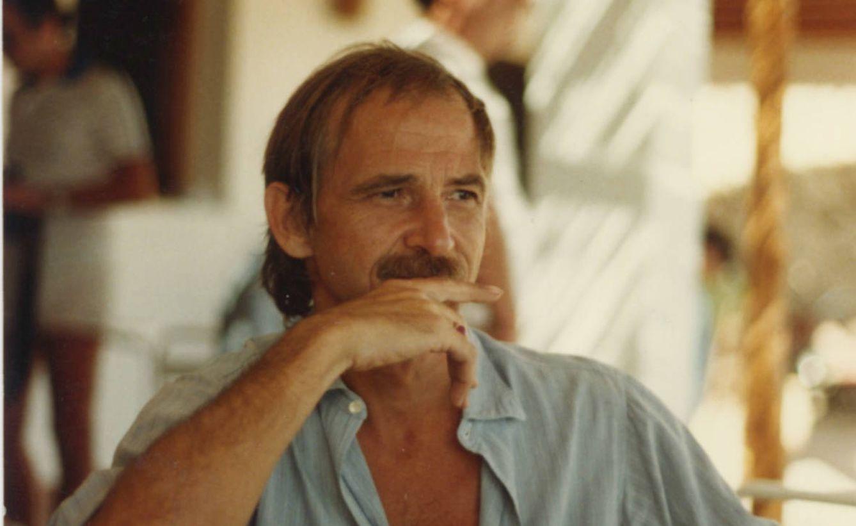 Foto: Antonio Escohotado en una foto tomada en Ibiza en los años 70. (A. Escohotado)