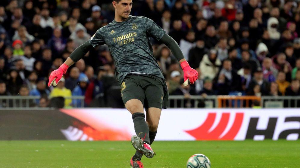 Foto: El portero belga se perderá el partido de vuelta entre el Manchester City y el Real Madrid (EFE/Juanjo Martín)