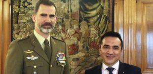 Post de Felipe VI posa por primera vez como rey para el pintor amigo de Marisol