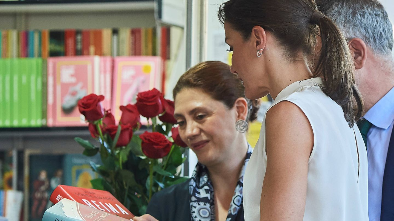 La Reina, con algunos de los libros más leídos. (Limited Pictures)