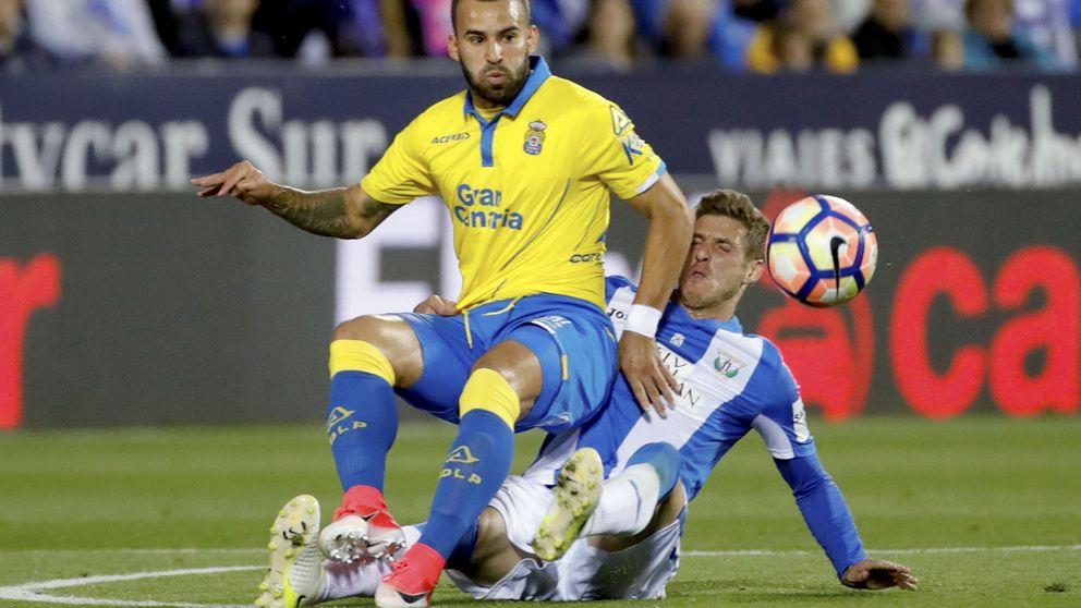 Jesé quiere aguar el final de Liga a un Barça con la defensa en cuadro