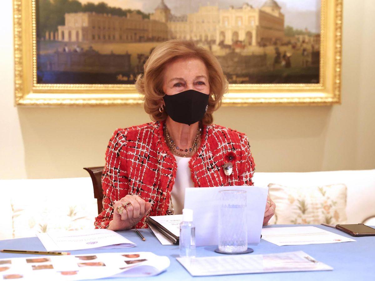 Foto: La reina Sofía, con el broche. (Foto: Casa Real)