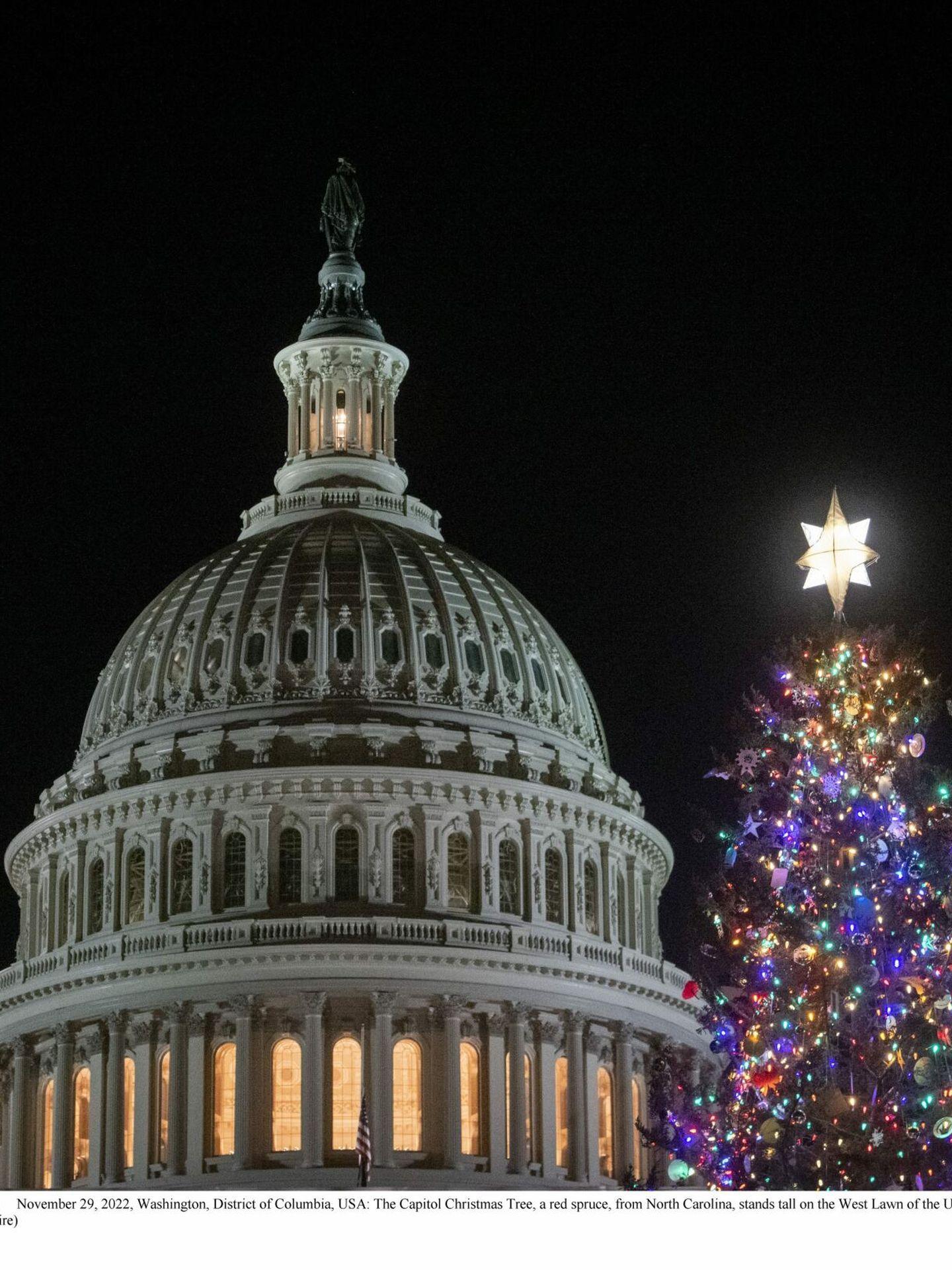 Clooney, en su embarcadero del lago Como. (CP)