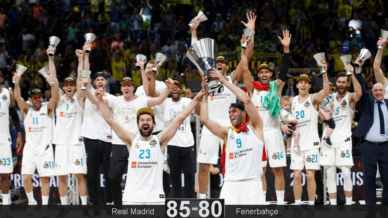 Foto: Felipe Reyes y Sergio Llull levantaron el trofeo de la Euroliga. (Reuters)