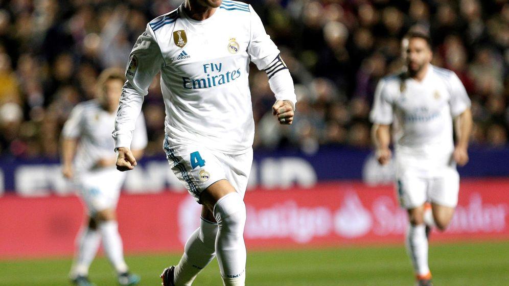 Foto: Sergio Ramos, en el encuentro ante el Levante de hace unos días. (EFE)