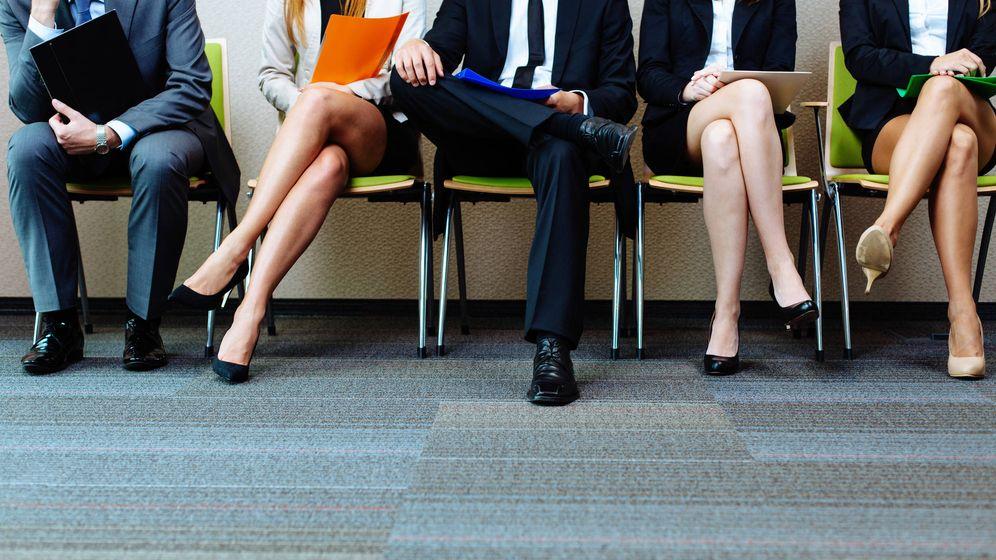 Foto: Candidatos con sus currículums preparados. (iStock)
