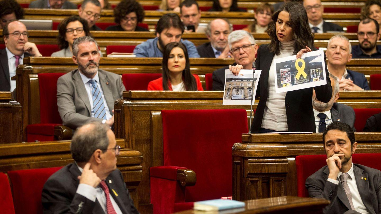 Inés Arrimadas, durante una sesión de control en el Parlament. (EFE)
