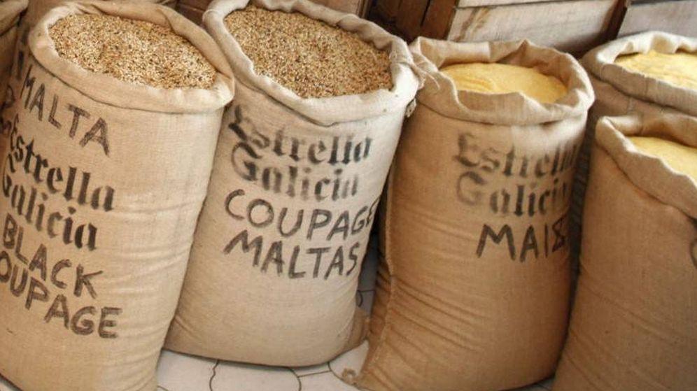 Foto: Una imagen de la fábrica de Estrella Galicia. (EFE)
