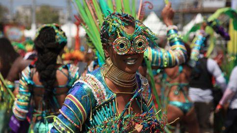 El Carnaval vuelve a las calles tras la calima y los incendios en Canarias