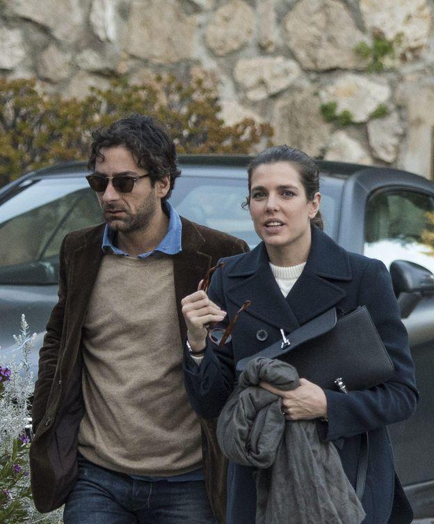 Foto: Carlota Casiraghi y Lamberto Sanfelice paseando