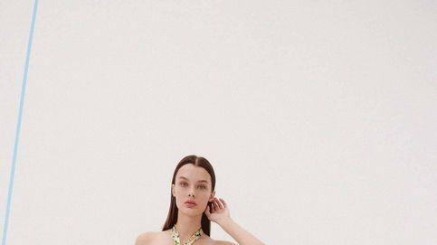 El vestido de 20 euros que llevarás a la oficina, de terrazas y como invitada está en Zara