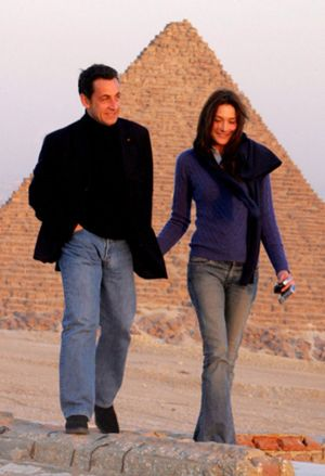 Carla Bruni desmiente su boda con Sarkozy