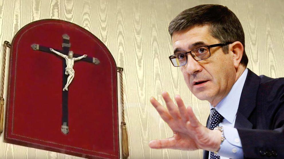 López retira del Congreso el crucifijo de Besteiro que rescató Bono del almacén