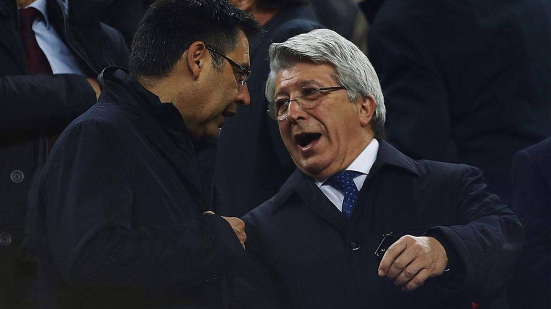 Josep Maria Bartomeu y Enrique Cerezo, presidentes del FC Barcelona y del Atlético de Madrid, respectivamente. (EFE)
