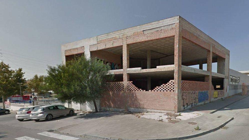 Foto: Edificio en obras ubicado en San Pedro Alcántara, donde ocurrieron los hechos. (Google Maps)