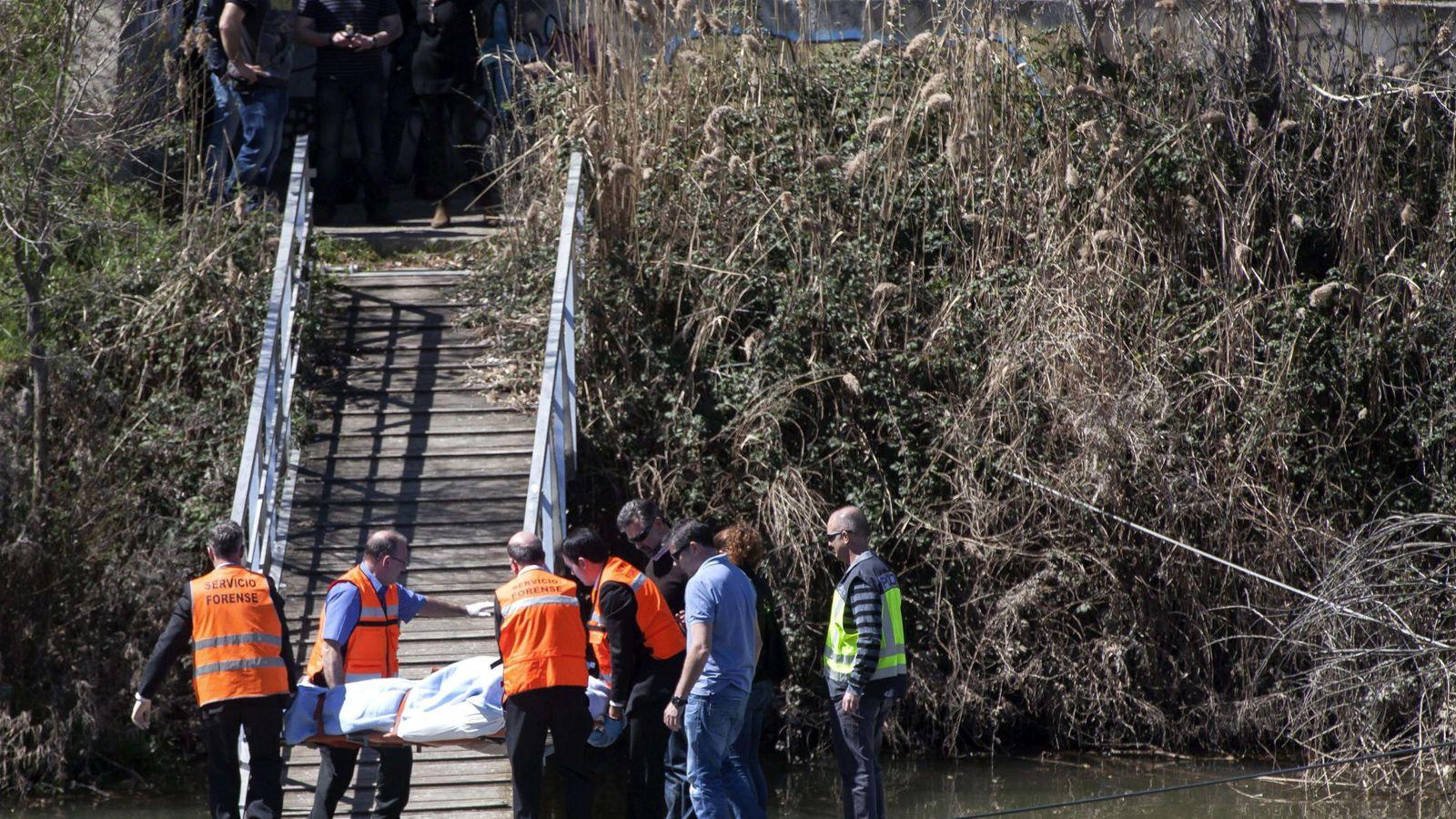 Foto: Momento del rescate del cuerpo de Lalo García en el Pisuerga.