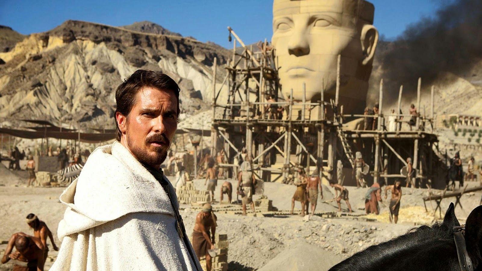 Foto: Christian Bale en un fotograma de 'Exodus', una de las superproducciones rodadas en España