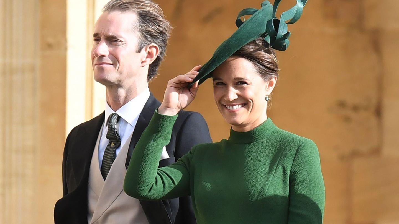 James Matthews y Pippa Middleton, a su llegada a la boda de la princesa Eugenia de York con Jack Brooksbank en Windsor. (EFE)
