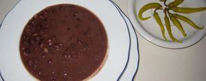 Alubias 'de chocolate', la especialidad de Betelu