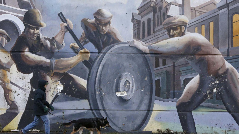 Mural dedicado a los trabajadores de factorías norteamericanas en Chicago. (Reuters)