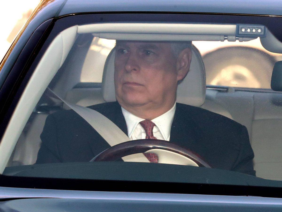 Foto: El príncipe Andrés asiste al palacio de Buckingham para el almuerzo de Navidad. (Cordon Press)