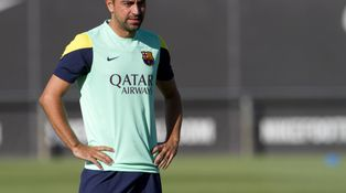 Xavi, el inamovible del Barcelona de Martino; Iniesta ya no lo es tanto