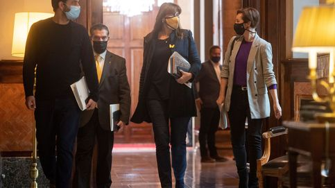 Cuevillas salta de la Mesa del Parlament y Laura Borràs coloca a Aurora Madaula