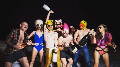 Paula Echevarría, Macarena Gómez y una alocada fiesta en la nieve con hombres semidesnudos
