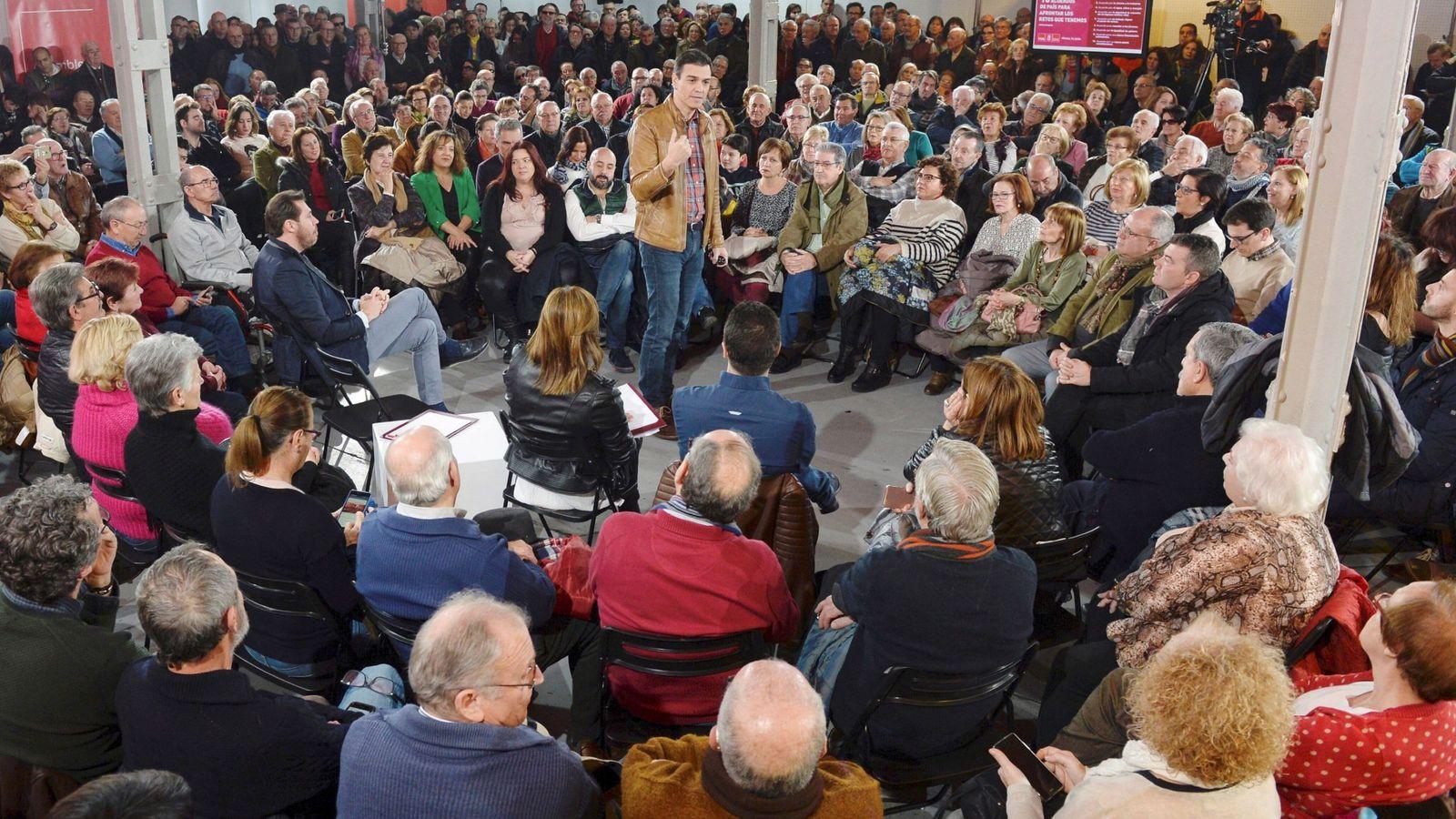 Foto: Pedro Sánchez, el pasado 3 de febrero en una asamblea abierta a militantes y simpatizantes en Valladolid. (EFE)