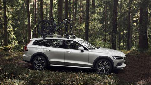 Volvo desvela su nueva creación para familias viajeras: el robusto (y elevado) V60