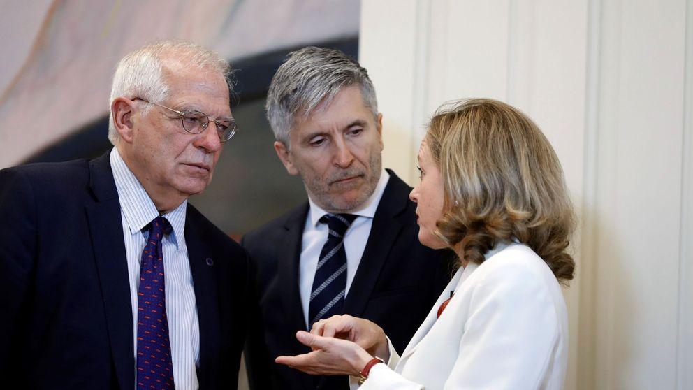 Borrell, Calviño y Marlaska, cuerpos extraños en el Gobierno tras el pacto con Podemos