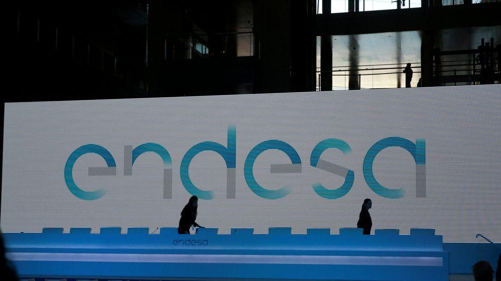 Foto: Logo de Endesa en la sede de la compañía en Madrid. (Reuters)